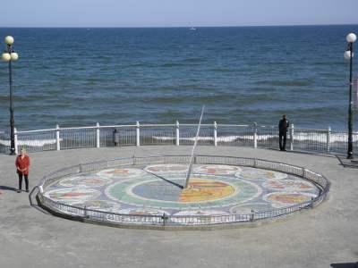 Солнечные часы в Светлогорске